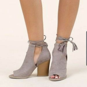 Altar'd State Taupe Ankle Tie Trendsetter Heels 7